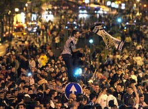 Real fans party in Madrid after Spanish Cup win