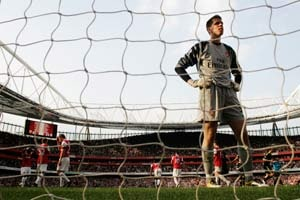Szczesny says Arsenal gunning for second
