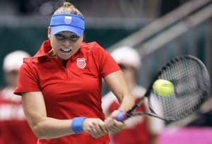 Zvonareva gives Russia the Fed Cup lead over Italy