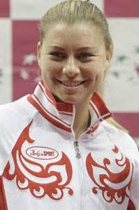 Zvonareva leads Russia against Italy in semi-finals