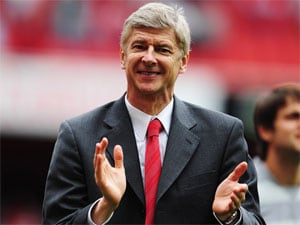 Difficulties mount for Arsenal, Wenger
