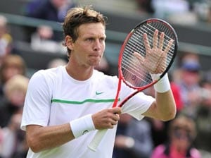 Berdych reaches 3rd round at Wimbledon
