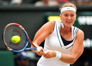 Kvitova beats Azarenka to reach Wimbledon final