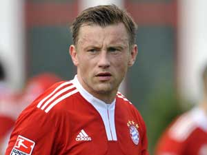 Olic back to training after knee operation