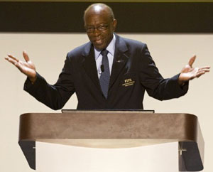 Warner quits FIFA; bribery charges dropped