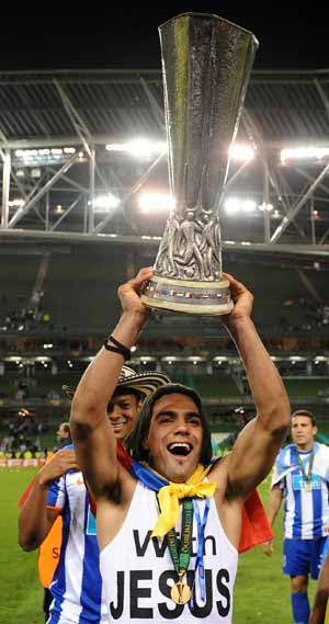 Falcao fires Porto to Europa League glory