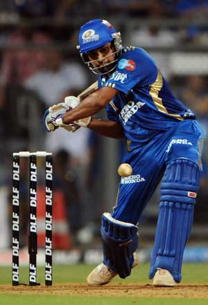 IPL 2013: Mumbai Indians take second position after beating Pune Warriors India by 5 wickets