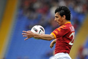 Burdisso aims for Champions and Cup double