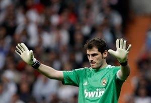 Casillas salutes Spanish champions Barcelona