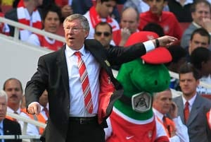 Ancelotti, Wenger rally to Fergie support