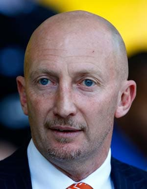 Holloway promises to stay at Blackpool