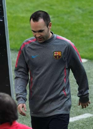 Andres Iniesta sidelined for up to two weeks