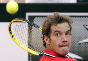 Inspired Gasquet stuns Federer in Rome