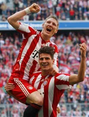 Schweinsteiger hopes Bayern sign Neuer