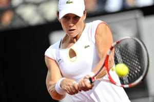 Stosur toils to 1st-round win at Japan Open