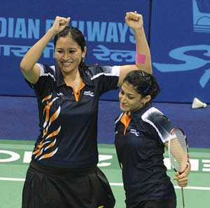 India's badminton duo aim top-10 by year end