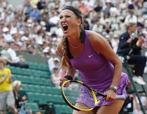 Azarenka qualifies for quarters