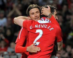 Beckham returns to Man U team for Neville farewell