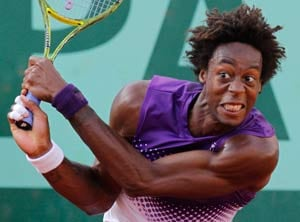 Frustrated Gael Monfils crashes out in Vienna