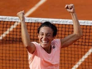 Schiavone reaches French Open qaurters