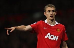 Fletcher signs new Man Utd deal