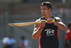 Pietersen signs for Delhi Daredevils in IPL 5