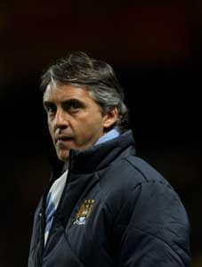 City are closing gap on United - Mancini