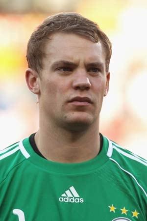 Man Utd eyeing Neuer, says Schalke boss