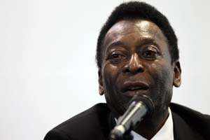 Pele visits tsunami-hit Japan