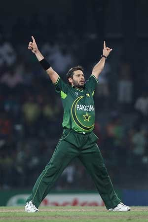 Shahid Afridi vows to quit if he becomes a 'burden on the team'