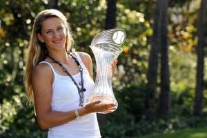 Azarenka beats Sharapova for Miami title