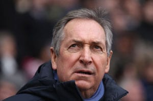 Villa chief backs Houllier