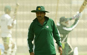 Money not at issue with India right now: Miandad