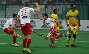 Hockey World League Final, highlights: Adam Dixon's brace takes England to 2-0 win over India in Pool A