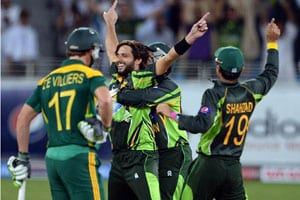 2nd ODI: Mohammad Irfan, Shahid Afridi lead Pakistan to victory over South Africa by 66 runs