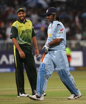 India to host Pakistan for a cricket series in 2012