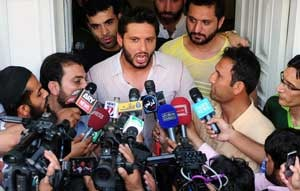 Afridi's meeting with Zardari on the cards
