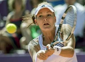 Agnieszka Radwanska through to second round in China after early scare