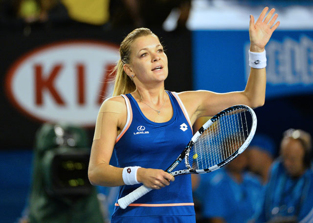 Australian Open 2014: Agnieszka Radwanska beats Garbine Muguruza to make quarters