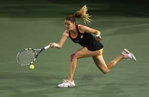 Indian Wells:  Agnieszka Radwanska beats Simona Halep to reach final