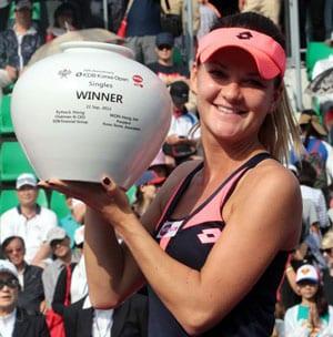 Agnieszka Radwanska defeats Anastasia Pavlyuchenkova to win Korea Open