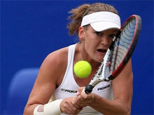 Radwanska into round 2 at Stanford