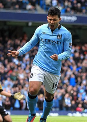 Sergio Aguero's brace guides Manchester City to a 4-1 win over Manchester United