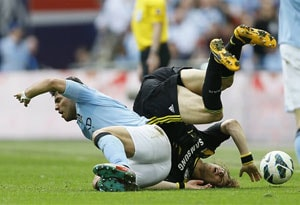 Sergio Aguero says sorry to David Luiz for Wembley lunge