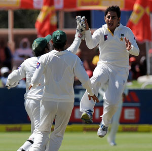 2nd Test: Saeed Ajmal's five-for puts Pakistan on top against South Africa