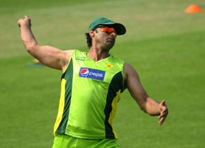Shoaib Akhtar tells Pakistan Cricket Board to stop running after India