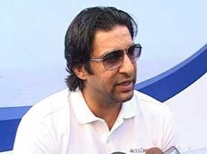Wasim hails Bangladesh's decision to tour Pakistan