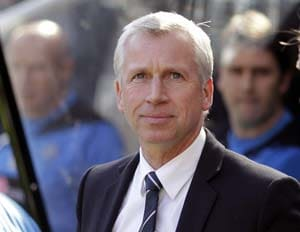 Alan Pardew fumes as Newcastle United snub Arsenal bid for Yohan Cabaye