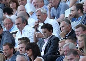 Newcastle vs Tottenham: Alan Pardew shamed by push on linesman