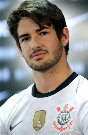 Alexandre Pato joins Brazilian club Corinthians from AC Milan
